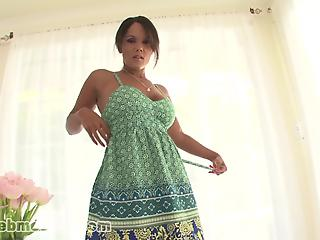 Exotic MILF with amazing eyes sucks a dick like a pornstar