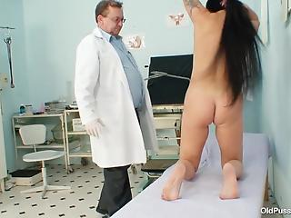 Patient lets skillful doctor examine her cunny in various ways