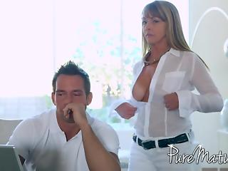 Sweet pussy of MILF was more interesting for guy than laptop