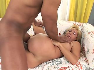 Mature blonde drilled with massive tool of black photographer